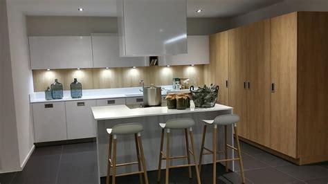 couleur mur avec cuisine blanche cuisine blanche et bois couleur mur palzon com