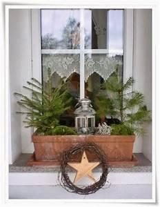 Fensterbank Außen Dekorieren : die besten 25 weihnachtsdeko fensterbank ideen auf pinterest weihnachtsdeko mit kerzen ~ Eleganceandgraceweddings.com Haus und Dekorationen