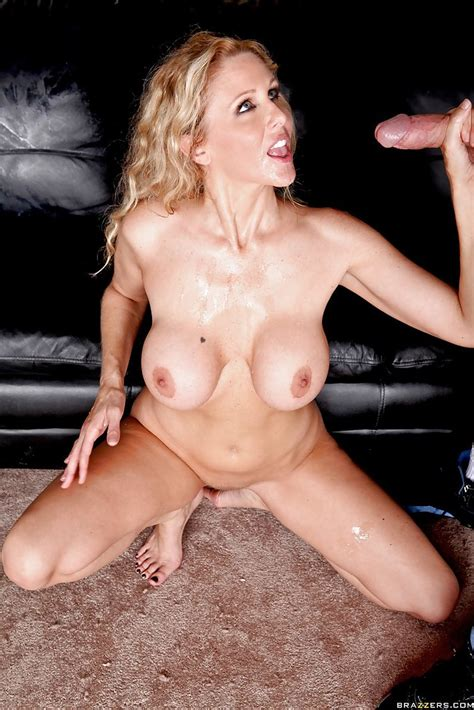 Hot Milf Babe With Big Tits Julia Ann Gets Into Double Penetration Sex
