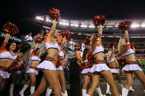 pro cheerleaders  groping  sexual harassment