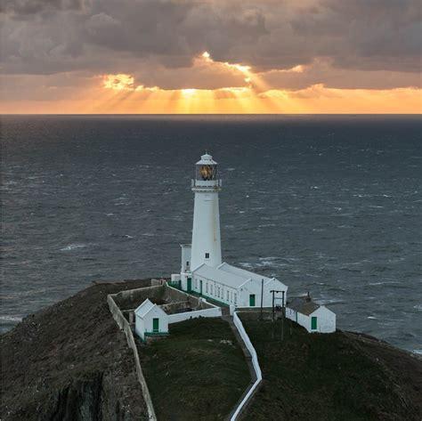 horizon landscape shots lighthouse right ephotozine week horizons