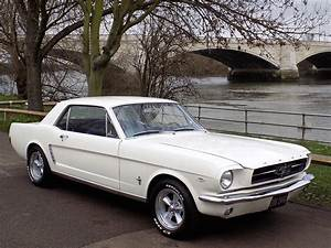 Ford Mustang 1964 : classic chrome ford mustang 1964 c white ~ Medecine-chirurgie-esthetiques.com Avis de Voitures