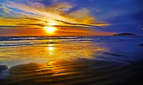 Bright Beautiful Nature · Reflectionislandoceansunset