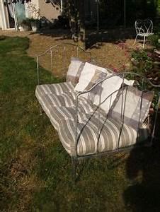banquette fer forge canape lit fer forge pinterest With tapis de sol avec canapé de jardin fer forgé