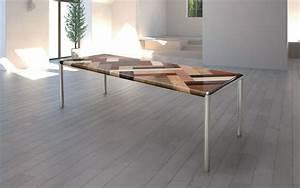 Tavolo grande, piano in legno, gambe in metallo IDFdesign