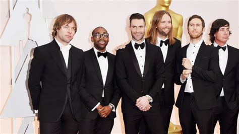 maroon 5 height adam levine meets 10 year old superfan with down syndrome