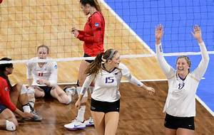 Husky volleyball team sweeps Arizona, advances to Elite ...