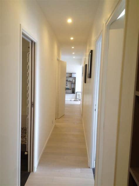 plan amenagement cuisine gratuit couloir avec faux plafond et spots led intégrés