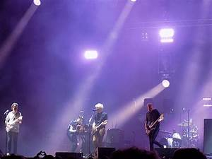 Franz Ferdinand performing live in 2017. From left to ...