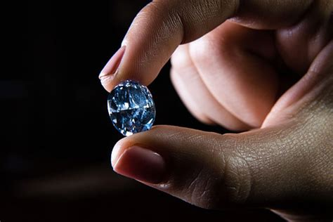 Rare Blue Diamond Sets New Record At Sotheby's Auction. Vintage French Wedding Rings. Sustainable Engagement Engagement Rings. Oval Cut Rings. Miscarriage Wedding Rings. Guard Engagement Rings. Simon Baz Rings. Azure Blue Wedding Rings. Princess Disney Wedding Rings