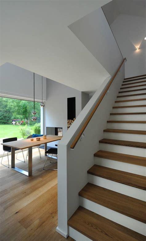 esszimmer modern holztreppe und treppe