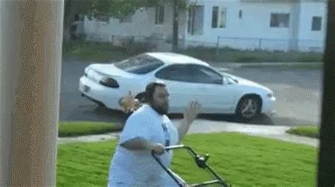 The Popular Lawn Gifs Everyone's Sharing