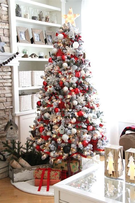 cozy red  white christmas decor ideas digsdigs