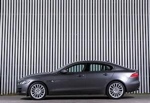 Avis Jaguar Xe : jaguar xe 2 0d 132kw aut portfolio 2018 prix moniteur automobile ~ Medecine-chirurgie-esthetiques.com Avis de Voitures