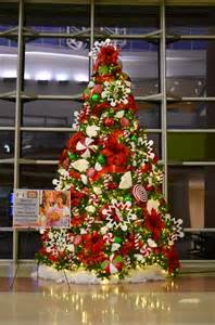 Floor And Decor Outlets Of America Inc 28 Tree Ideas Show Me Wreath Show Me Decorating Traditional