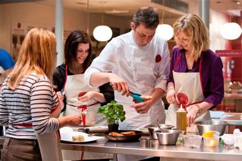 ateliers de cuisine changer de vie avec l atelier des chefs et sa formation à