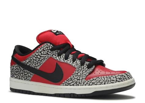 Nike SB Dunk Low x Supreme