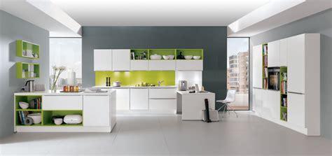 cuisine noir laqué plan de travail bois la cuisine blanche le des cuisines