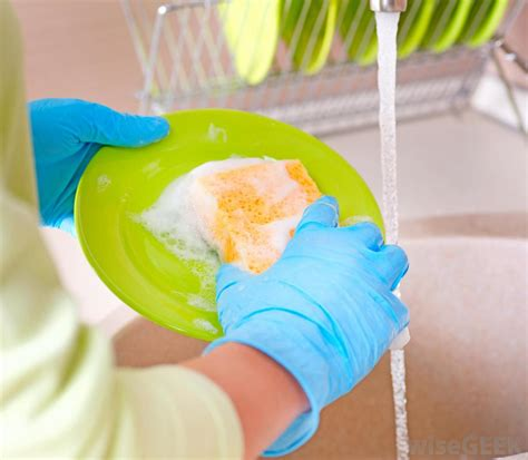 Is It Better To Hand Wash Dishes Or Use A Dishwasher?