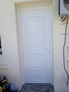 Pose Porte D Entrée : fourniture et pose de porte d 39 entr e en pvc ch teauneuf ~ Melissatoandfro.com Idées de Décoration