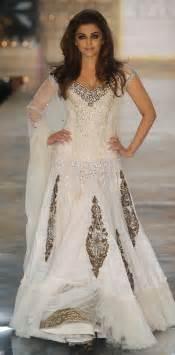 angelic aishwarya rai  white simple lehenga manish