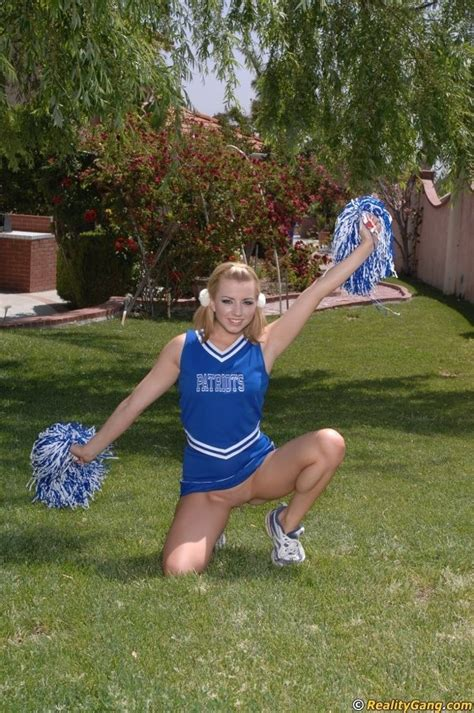 Sexy College Cheerleader Lexi Belle Get Her Pussy Fucked
