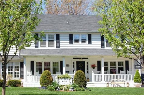 front porches on colonial homes colonial front porch on pinterest front porches porches and dutch colonial