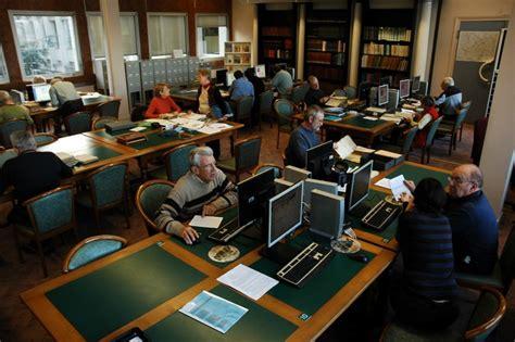en salle de lecture archives dpartementales de sane et loire