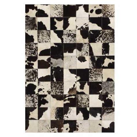 tapis peau de vache noir et blanc tapis design en peau de cuir de vache noir et blanc par angelo