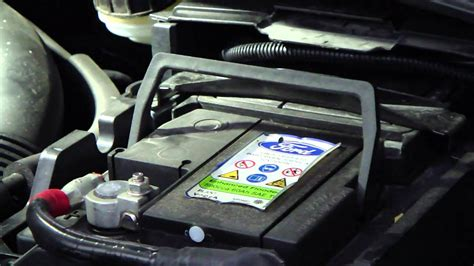 batterie ford how to change car battery ford focus years 2011 2014