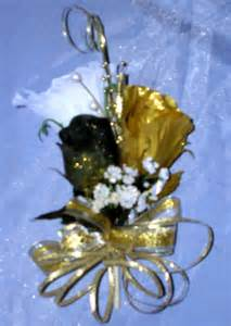 corsage and boutonniere prices black and gold set
