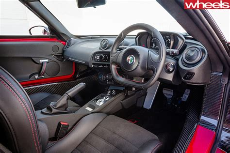 Alfa Romeo 4c Interior by Alfa 4c V Audi Tt V Peugeot Rcz R Comparison Review