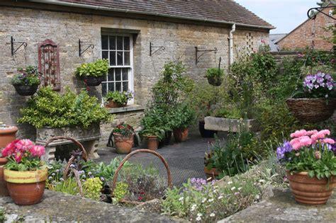 Garden Accessories by Green Oak Gardens Products