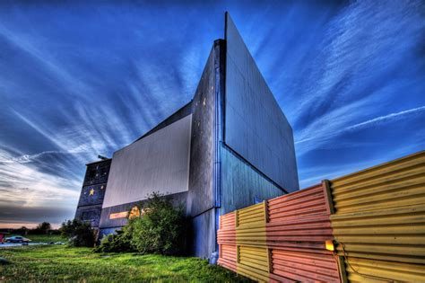 Drive-in movie theatres in and around Toronto