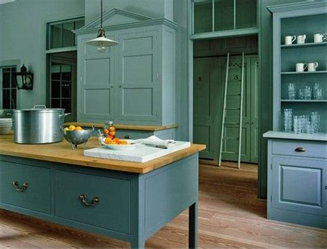 blue and green kitchen decor the green walls with blue cabinets kitchen ideas 7925