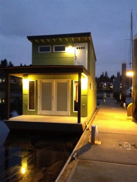 small houseboat   square feet  bliss