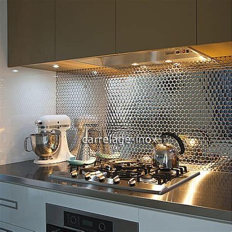 cuisine avec credence inox plaque crédence cuisine inox miroir mosaique miroir