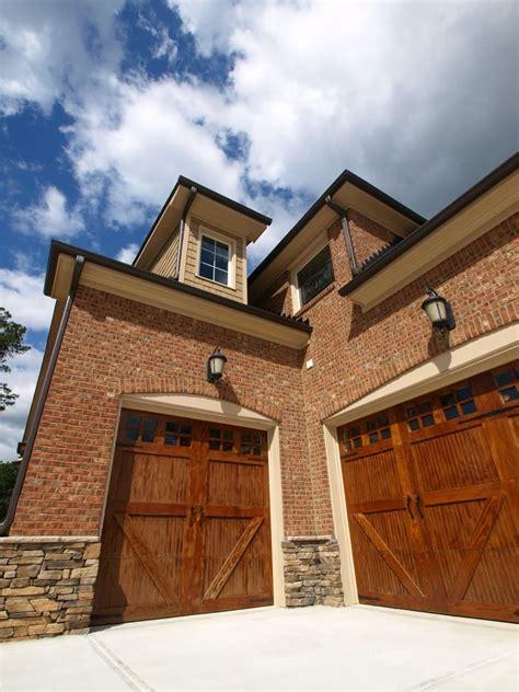 cool garage door design ideas pictures