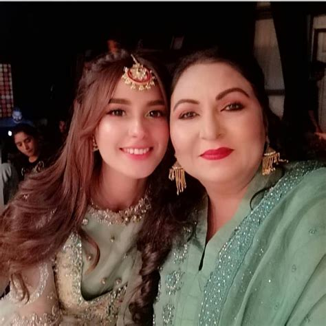 beautiful clicks  iqra aziz  farhan saeed  set
