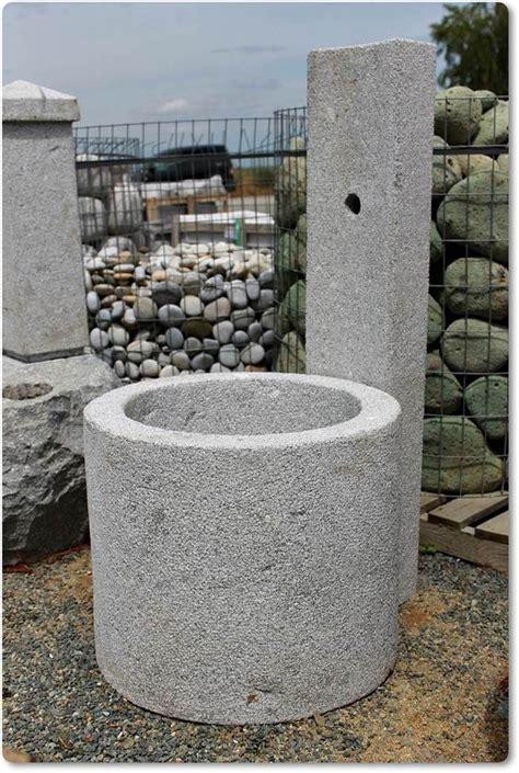 Zisterne Und Brunnen Im Garten by Brunnen Modern Aus Granit Concrete Ideas Cement