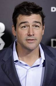 kyle chandler Picture 13 - Los Angeles Premiere of ...