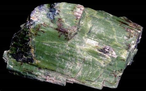minerals   serpentine group