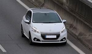 Rappel Constructeur Peugeot 208 : les performances peugeot 208 2012 vitesse maxi peugeot 208 ~ Maxctalentgroup.com Avis de Voitures
