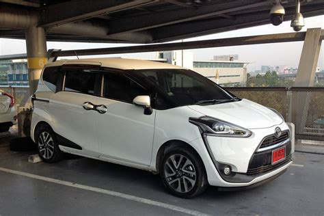 Review Toyota Sienta by Toyota Sienta 2015 Car Review Honest