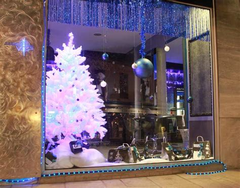 decoration de noel pour vitrine magasin id 233 es d 233 co boutique 4 vitrines de no 235 l sur leur 31