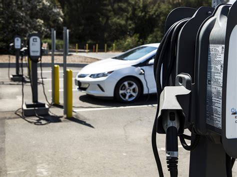 Electric Car Charging Stations by Fast Charging Stations For Electric Vehicles Coming To