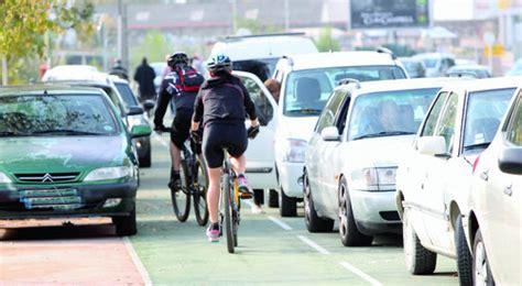 amende stationnement trottoir stationnement pistes cyclables trottoirs l automobiliste plus s 233 v 232 rement sanctionn 233