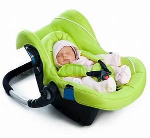 Autositz Für Baby : neugeborenes baby in einem autositz stock foto ~ Watch28wear.com Haus und Dekorationen