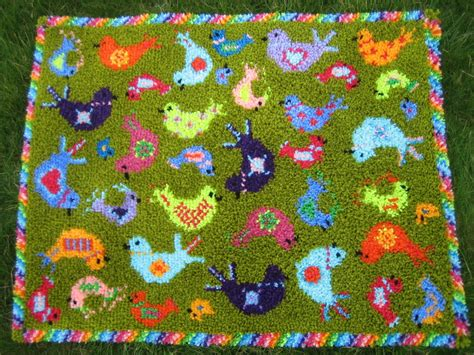 feathered friends latch hook rug kit