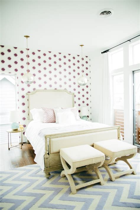 wallpaper  accent wall affordable decorating tips
